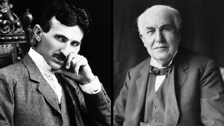 NIkola Tesla (izq.) y Thomas Alva Edison (der.).